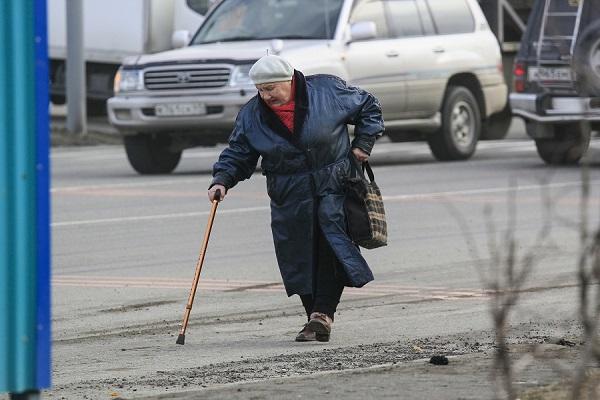 Пенсионерка погибла под колесами иномарки вДзержинске